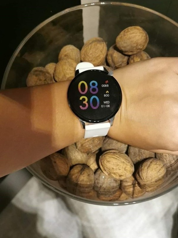 Montre Oozoo smartwatch connectée Q00110
