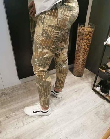 Jeans motif tropical